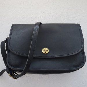 Vintage Coach BLACK LEATHER CROSS BODY BAG